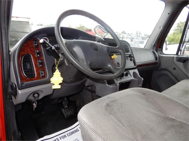 2012 FREIGHTLINER BUSINESS CLASS M2 106 5128692765
