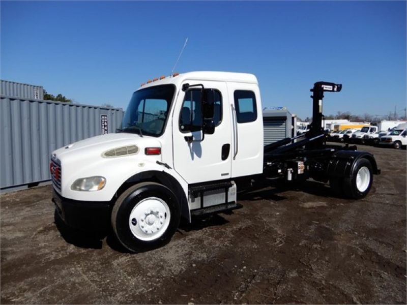 2009 FREIGHTLINER BUSINESS CLASS M2 106 4208803629