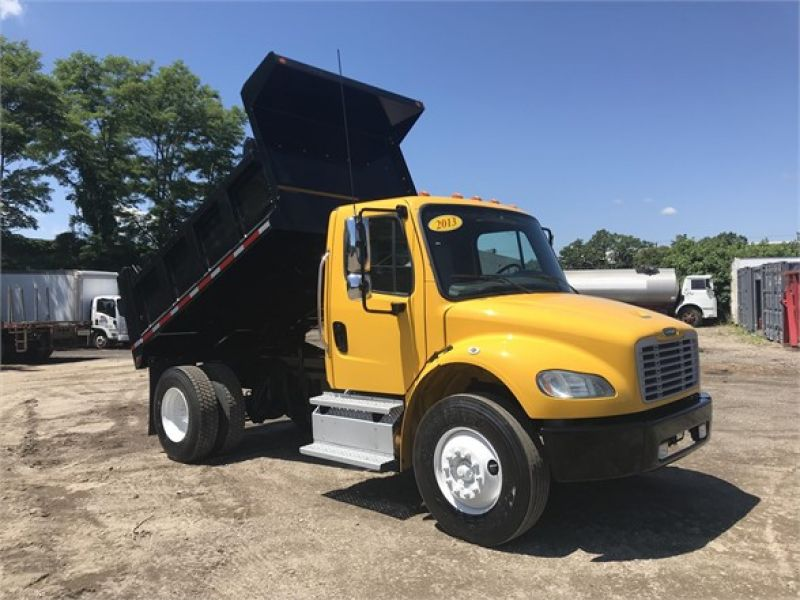 2013 FREIGHTLINER BUSINESS CLASS M2 106 6078201001