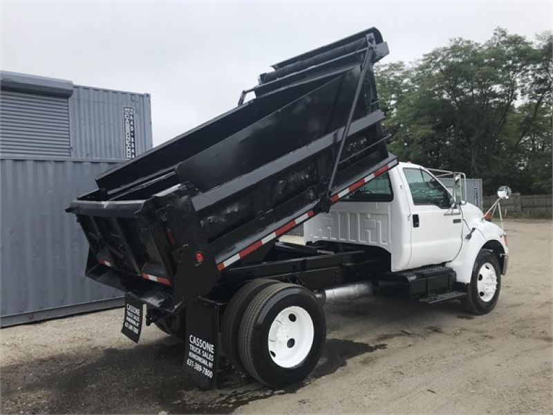 2006 FORD F750 6081900611