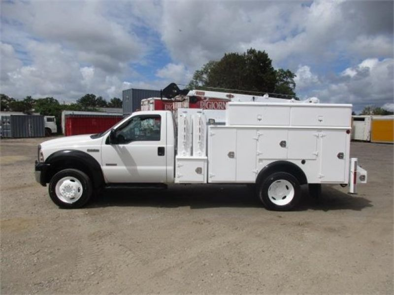 2005 FORD F550 XL SD 6117702289