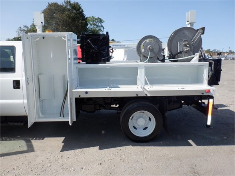 2015 FORD F550 6134824319