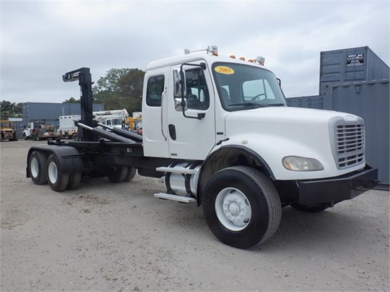 2005 FREIGHTLINER BUSINESS CLASS M2 112 6140100557
