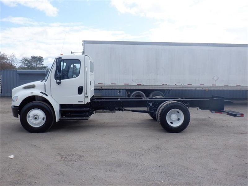 2010 FREIGHTLINER BUSINESS CLASS M2 106 6145333853