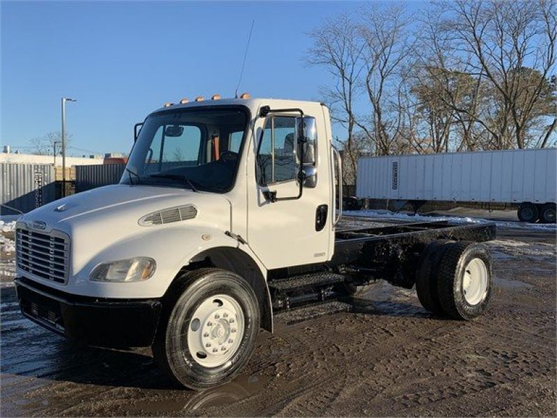 2009 FREIGHTLINER BUSINESS CLASS M2 106 6235024413