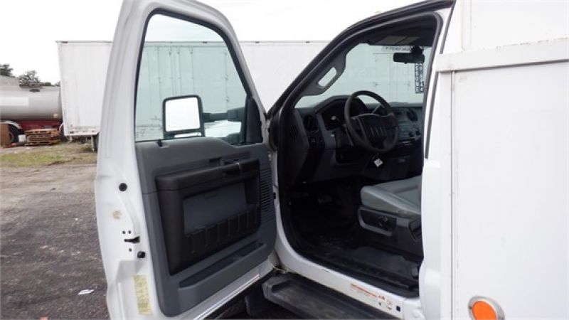 2012 FORD F550 7132222323